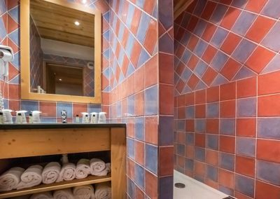 alpapart-almes1-appartement-salle-de-bain